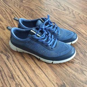 Ecco tennis shoes
